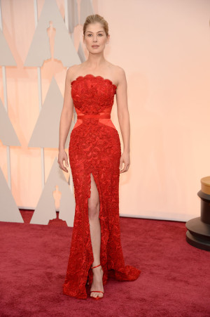 oscarsrosamund-pike-oscars-red-carpet-2015-1